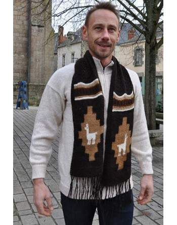 Echarpe tricoté à la main