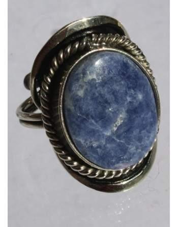 Bague en lapis-lazuli.