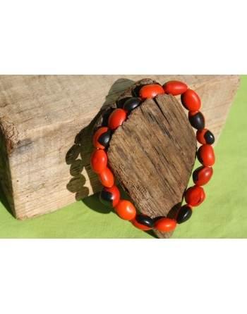 Bracelet porte bonheur en graine Huayruro
